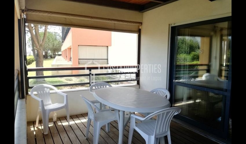 1 Bedroom Apartment in Meia Praia